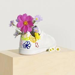 Adidas Stan Smith Vegan 🌱 «Cloud White / Graphism🌸🌷» —————————————————————————— Disponible @vestiairestore Metz / Nancy & sur  www.vestiairestore.com —————————————————————————— Du 36 au 40 | 100€ |—————————————————————————— • 5/7 Rue de Ladoucette 57000 METZ • 30 Rue Gambetta 54000 NANCY  Lundi  14h-19h Mardi à Vendredi  10h30-12h30  14h-19h Samedi  10h30-19h ——————————————————————————