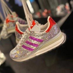 Adidas ZX 500 «Glitter» —————————————————————————— Disponible @vestiairestore Metz / Nancy & sur  www.vestiairestore.com —————————————————————————— Du 36 au 40  110€ l—————————————————————————— • 5/7 Rue de Ladoucette 57000 METZ • 30 Rue Gambetta 54000 NANCY  Lundi  14h-19h Mardi à Vendredi  10h30-12h30  14h-19h Samedi  10h30-19h ——————————————————————————